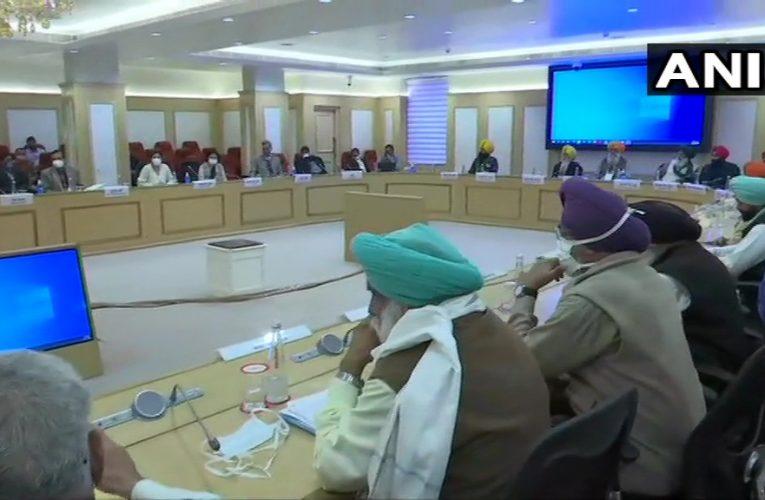 Farmers Protest Live: किसान संगठनों और सरकार की बातचीत बेनतीजा, कमेटी नहीं बनेगी, अगली बातचीत 3 दिसंबर को